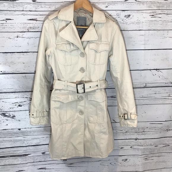 BB Dakota Jackets & Blazers - BB Dakota quilted lined trench coat.